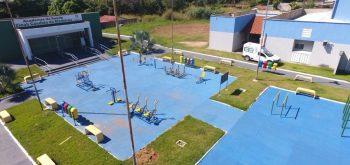 Prefeito Haroldo Naves entrega Nova Academia da Saúde ao Ar Livre e fomenta práticas esportivas em Campos Verdes
